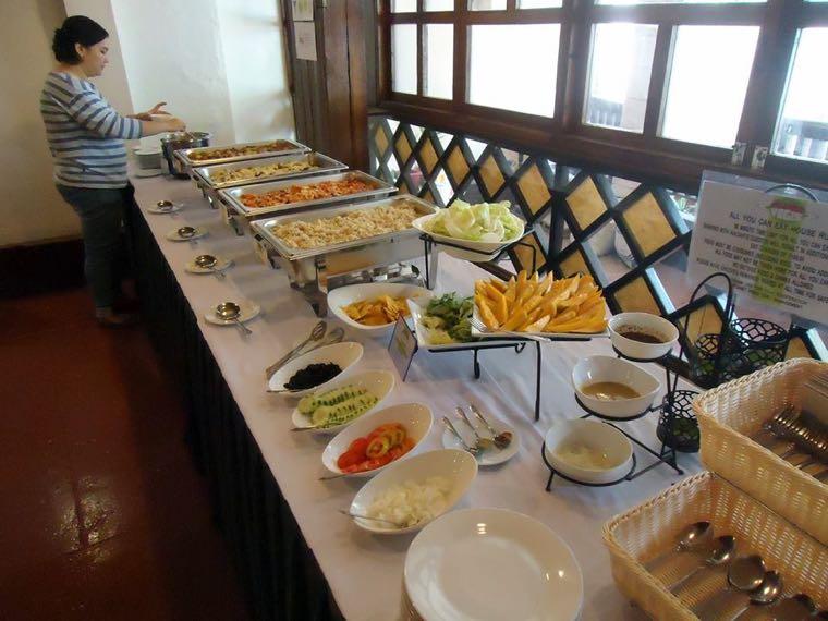 ▲ 「素食吃到飽」,食物選擇超級多~在台灣應該找不到這種餐廳?
