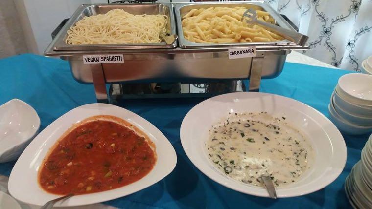 ▲ 義大利麵和通心麵,有紅醬、白醬兩種口味可選