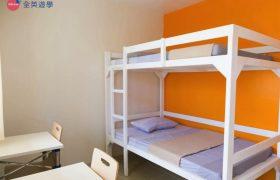 《IDEA Academia 語言學校》學生宿舍雙人房為上下舖