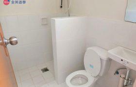 《IDEA Academia 語言學校》學生宿舍乾濕分離的衛浴