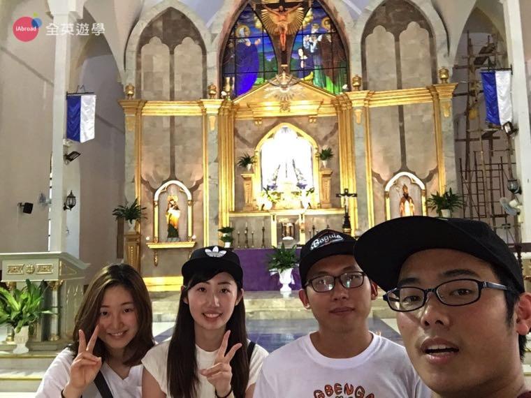 ▲ 碧瑤 Vigan 西班牙小鎮教堂,70%的菲律賓人信奉天主教,他們每週會固定來教堂做禮拜