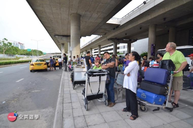 碧瑤遊學必看,馬尼拉機場-Victory-Liner-Joy-Bus-搭巴士+跳錶計程車教學