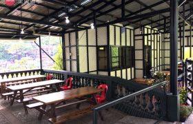 《Baguio JIC 語言學校》學生餐廳外也有用餐的地方