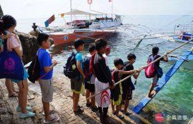 《English Fella 語言學校》週末活動,Nalusuan Island 跳島浮潛,準備搭船出海
