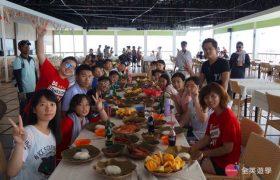 《English Fella 語言學校》週末活動,Nalusuan Island 海上餐廳,午餐很豐盛喔!!