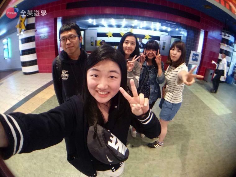 ▲ 週末很常和 Monol 的老師、朋友們出來看電影