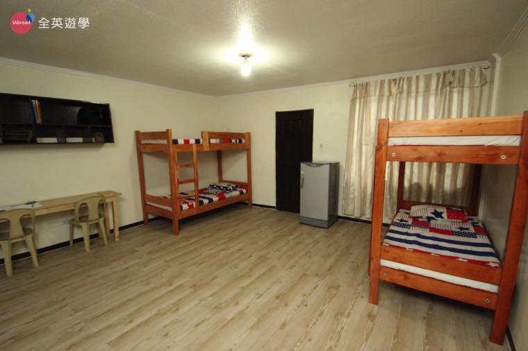 《A&J e-EduDC 語言學校》四人房空間寬闊舒適