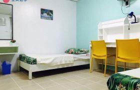 《First English 語言學校》學生宿舍雙人房,空間還滿寬大的