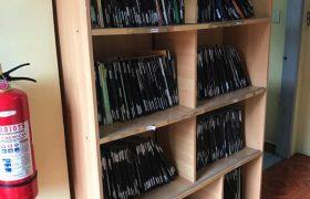 《A&J e-EduDC 語言學校》上課教材,可以到自習室閱讀