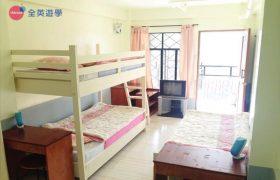 《Baguio JIC 語言學校》斯巴達初級英文校區 (IB) 學生宿舍三人房