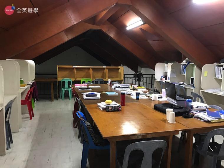 ▲雅思學生的自習室,也可以選擇一對一教室自習喔