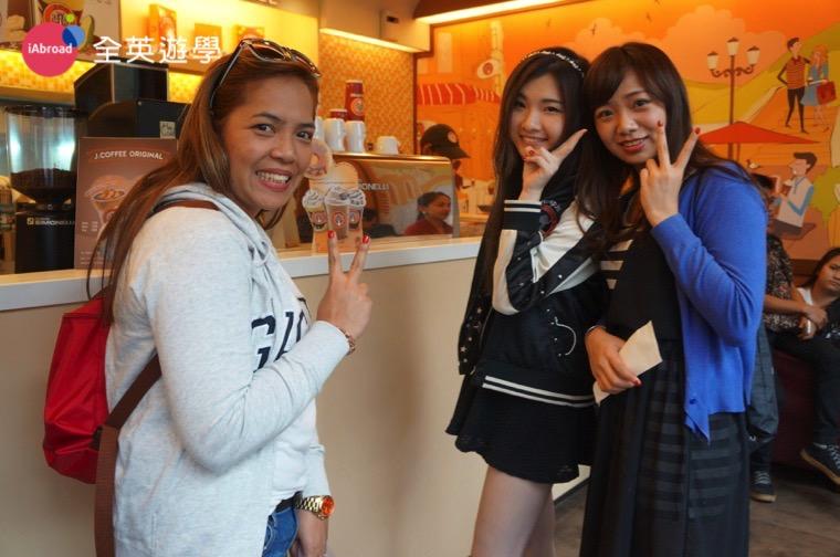 ▲ 下課後來和 Monol 的學校老師來杯咖啡吧~