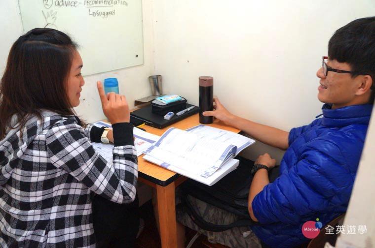 ▲ 菲律賓碧瑤學校每天 7 堂課,密集練習讓學生的英文能力迅速提升!