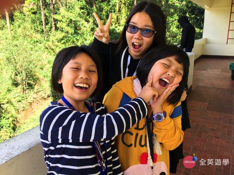 ▲ 參加 2017 全英菲律賓遊學團的小朋友,除了學英文,下課也打成一片!