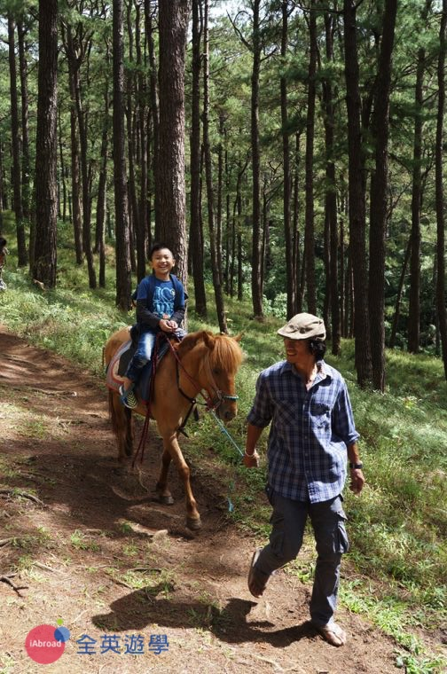 ▲ 碧瑤 Camp John Hay 體驗森林騎馬,專人帶領很安全喔~