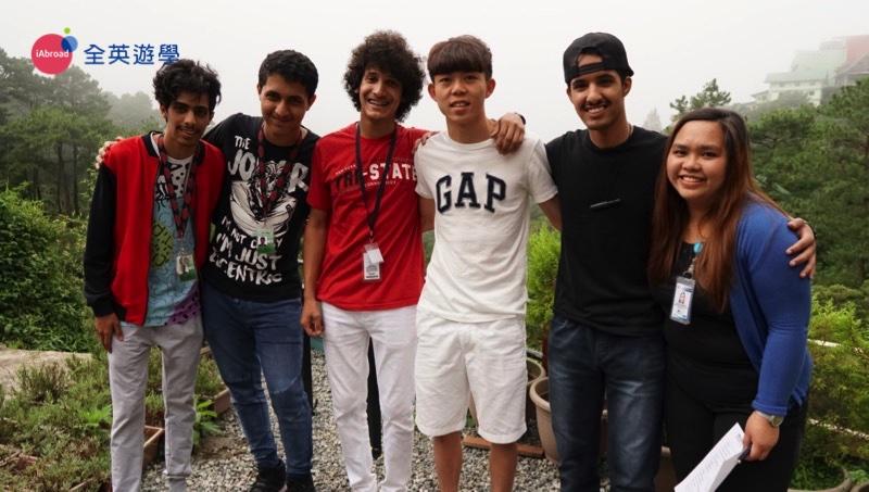 ▲ 出國遊學最棒的地方,就是有機會認識許多不同國籍的學生,接觸新的文化。個性開朗陽光的Henry哥哥,這次在MONOL就認識了一群來自沙烏地阿拉伯的學生,相約下次來台灣玩啊!