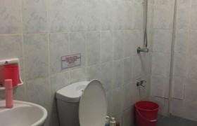 《A&J e-EduDC 語言學校》學生宿舍四人房,提供獨立衛浴