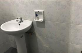 《A&J e-EduDC 語言學校》學生宿舍單人房,提供獨立衛浴