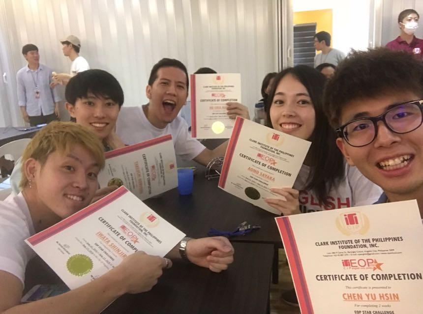 ▲ EOP Challenger 每次兩週,這兩週內都不能說母語喔!等英文簡報結束之後,每個學生都會有一張英語挑戰者的證書!