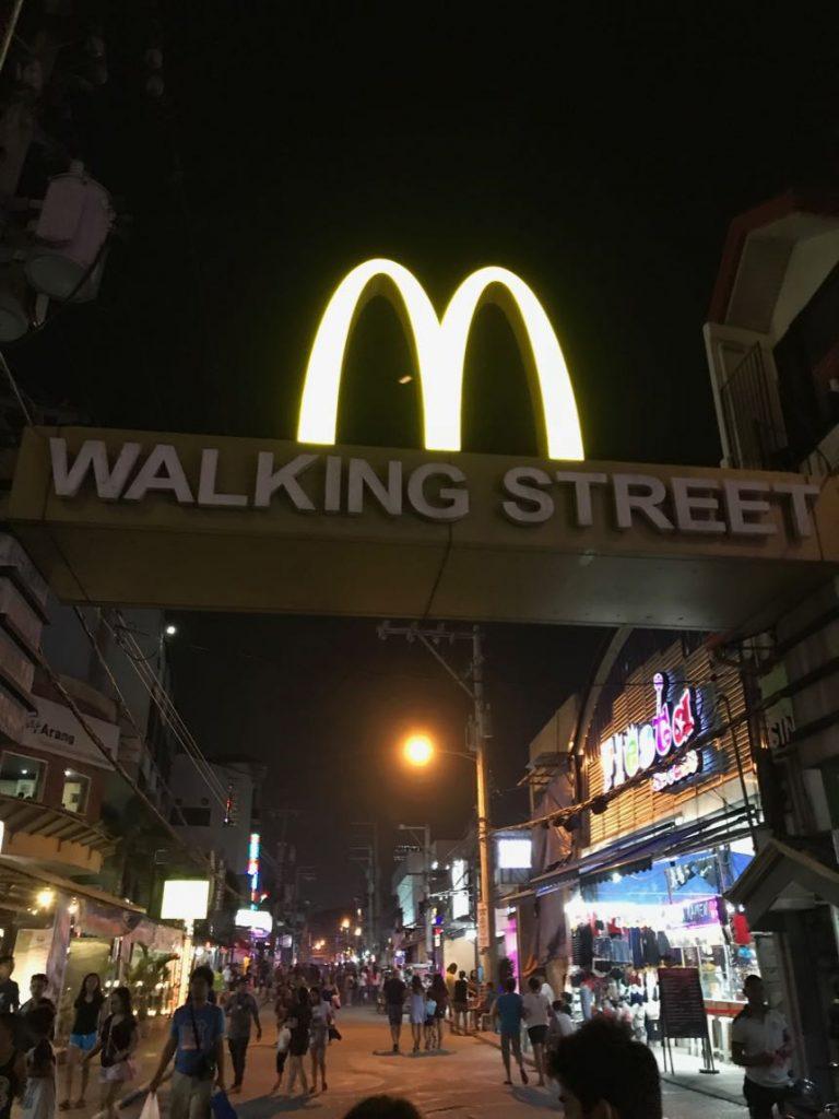 ▲ 克拉克最有名的步行街 Walking Street,這裡有很多滿推薦的餐廳&夜店,當然還有滿知名的Casino賭場