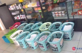 《First English 語言學校》免費洗衣服務,只要把自己的洗衣籃放在福利社前即可!會有專人送洗,之後再送回原地!