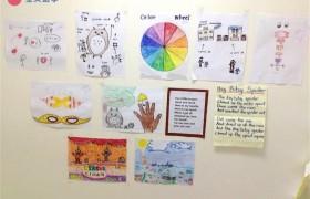 《First English 語言學校》小朋友的課程有美術課,這些都是他們的作品喔!