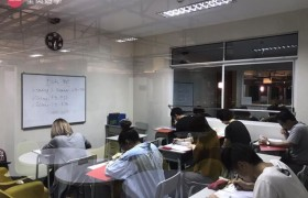 《IDEA Academia 語言學校》團體課教室