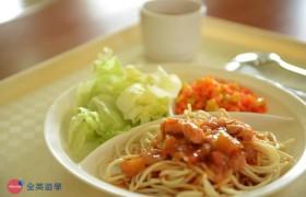 《IDEA Cebu 語言學校》三餐菜色,除了白飯有時會提供義大利麵喔!