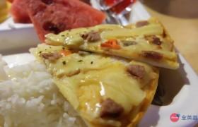 《IDEA Cebu 語言學校》三餐菜色,有時會有披薩、炸雞