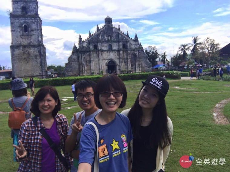 ▲ 帶媽媽一起參加 Monol 週末行程,參觀「聖奧古斯丁教堂 San Agustine Cathedral 」~很壯觀!!