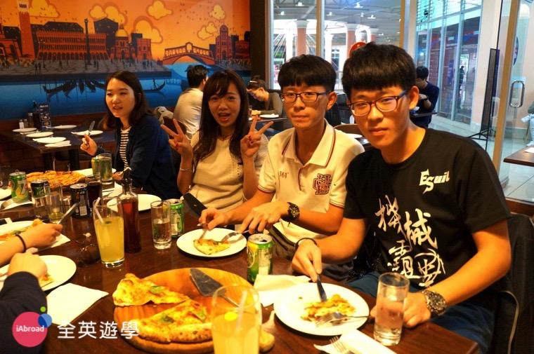 ▲ 碧瑤有許多美食餐廳,披薩還蠻好吃的!
