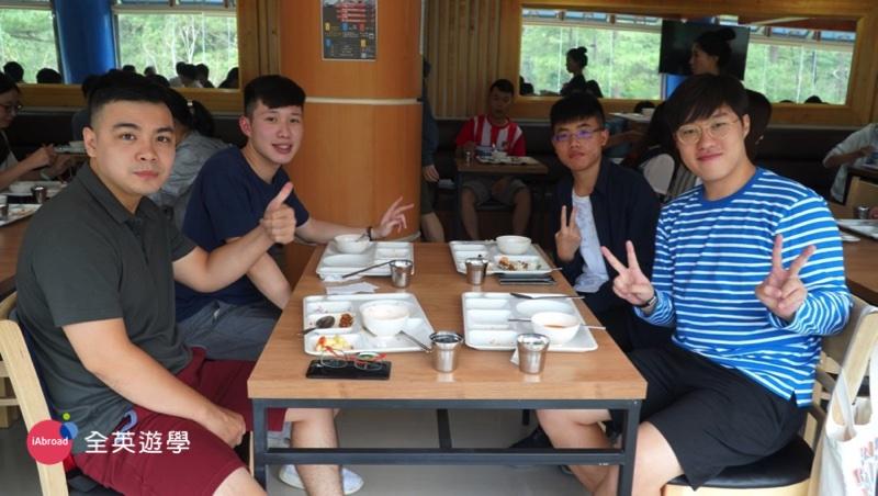 ▲ 全英學生 Ryan 與他的韓國&越南室友。