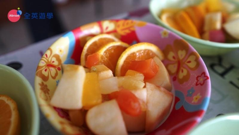 ▲ PINES 現在每餐都有水果或優格耶~ 健康新概念!