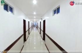 《PINES 語言學校》Chapis宿舍走廊