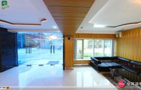 《PINES 語言學校》Chapis大廳沙發區