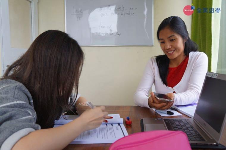 ▲ Monol 碧瑤學校的商業英文課程,老師親切、教學有趣,發音也很好喔!