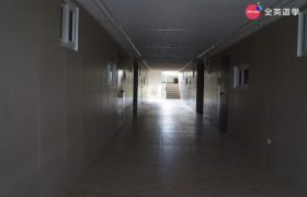 《Wales 語言學校》學校宿舍走廊