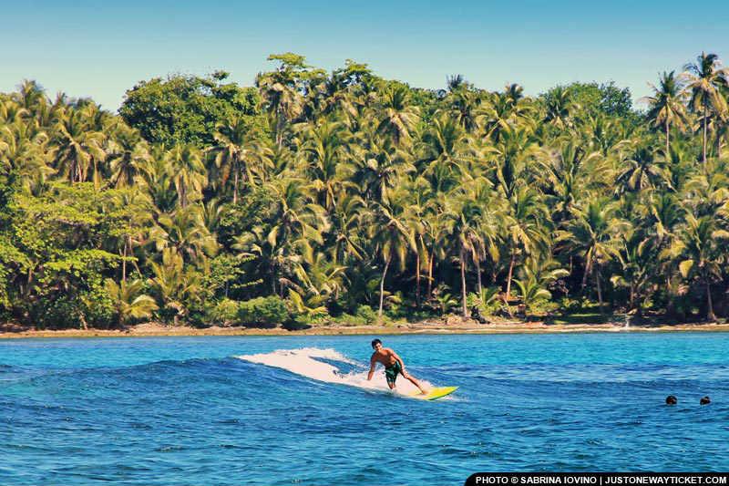 菲律賓有不少衝浪勝地 Go surfing