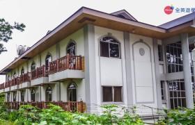 TALK Yangco 學校主建築外觀