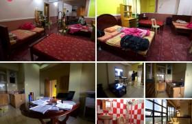 《TALK 語言學校》 三人房,每間都有床舖、個人衣櫃、穿衣鏡、桌椅、小型除濕機、共用客廳