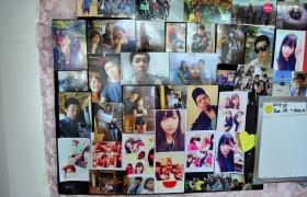 TALK E&E 貼滿學生照片的教室