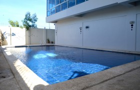 CELI 語言學校游泳池