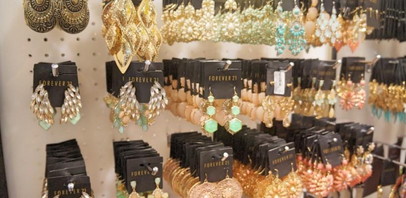 《小胖菲律賓遊學日記 Day2 – 週日下午 Shopping》SM 購物中心品牌琳琅滿目,Forever 21 實在太好逛!造型好看、款式多、質料好又便宜