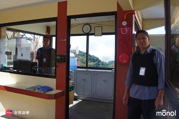 《MONOL 語言學校》24小時學校警衛-1