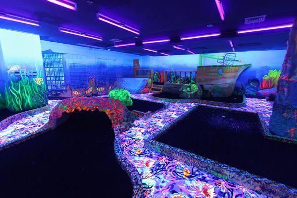 宿霧景點好好玩:皇冠麗晶酒店一日遊~ 夜光高爾夫 + 舒壓按摩 + 6D電影 + 室內/戶外游泳池