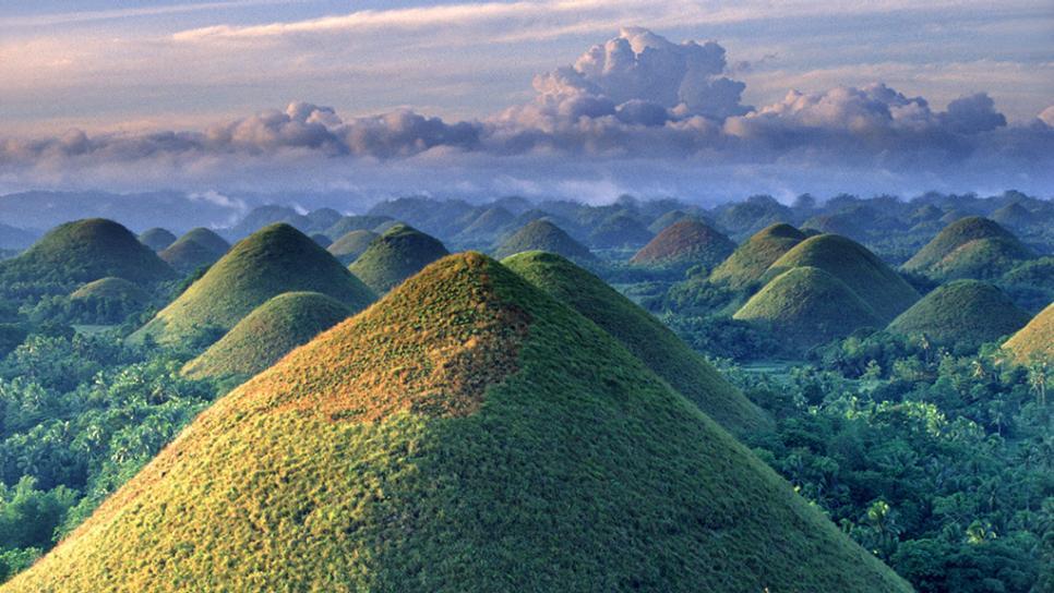 菲律賓旅遊推薦必玩景點,宿霧巧克力山