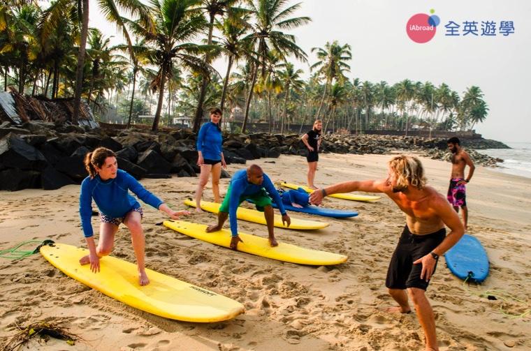 surfing-21
