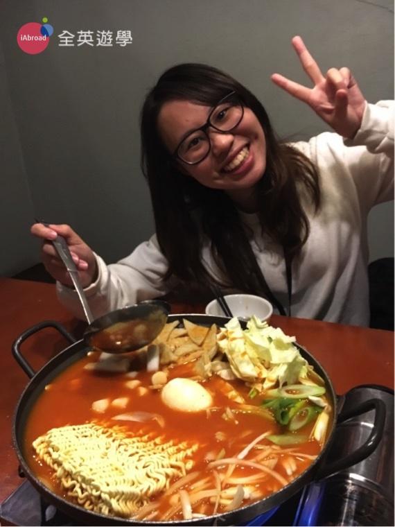 ▲謝謝全英學生 Annie 提供的照片,看看他有多愛這鍋 Tokbokki 韓國辣炒年糕泡菜鍋