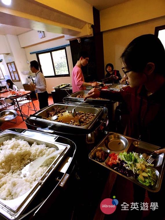 全英寒假遊學團日記 - 學校三餐吃什麼 -10
