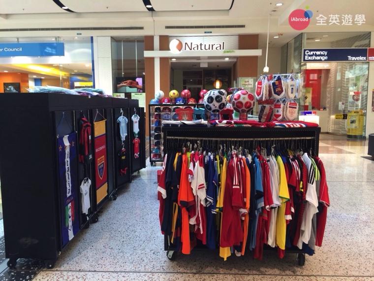 澳洲打工度假在雪梨賣足球紀念品-2